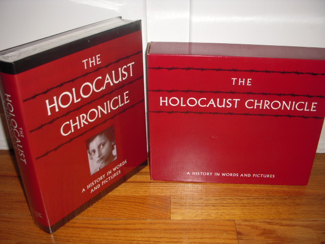 Image for Holocaust Chronicle: A History in Words and Pictures