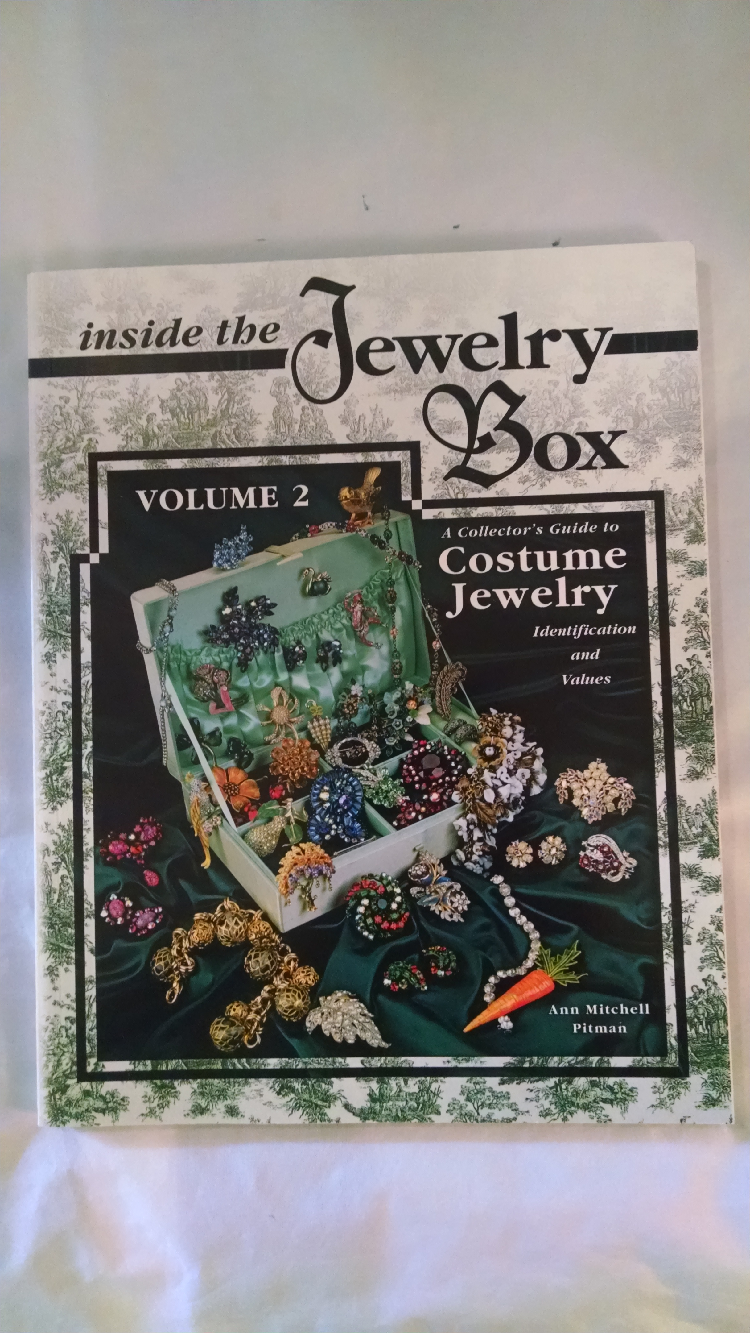 Image for INSIDE THE JEWELRY BOX